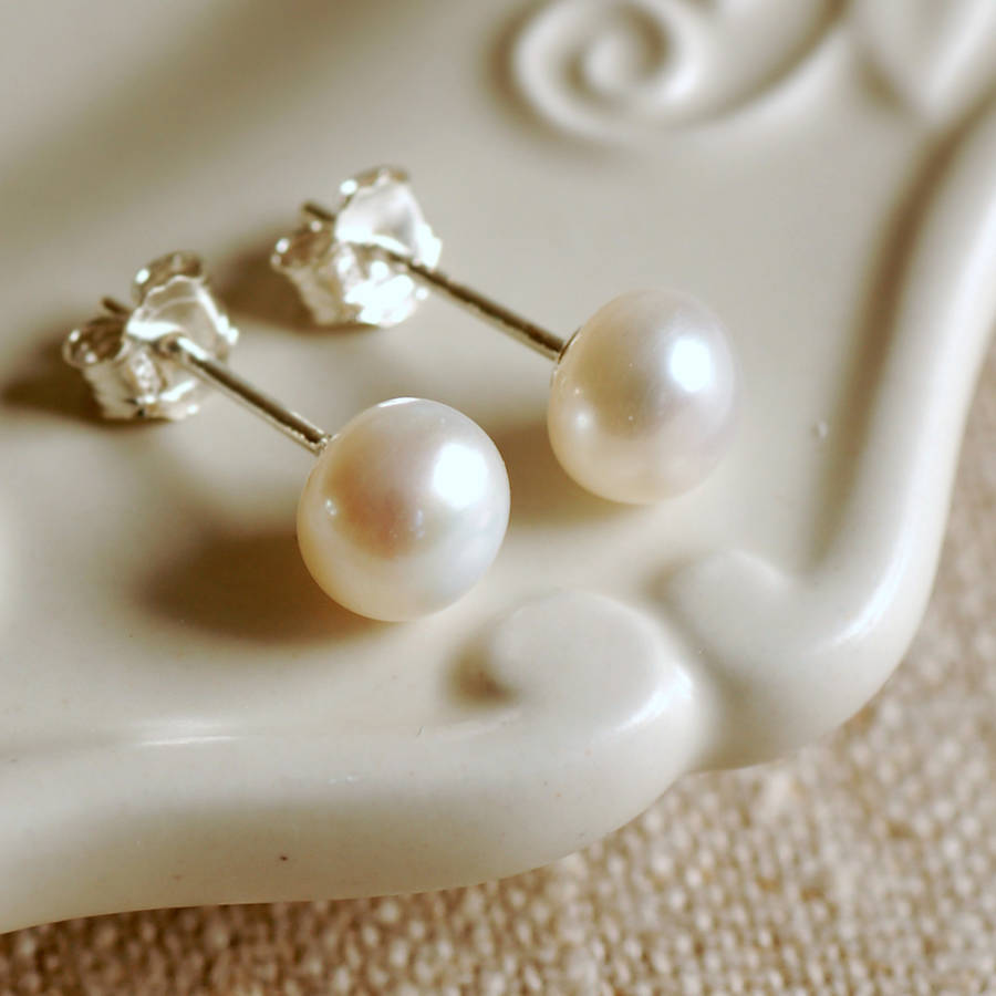 Sterling Silver White Pearl Stud Earring 6mm