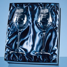 Personalised Diamante Wine Glass set with kiss cutting design featuring 2 Swarovski crystals